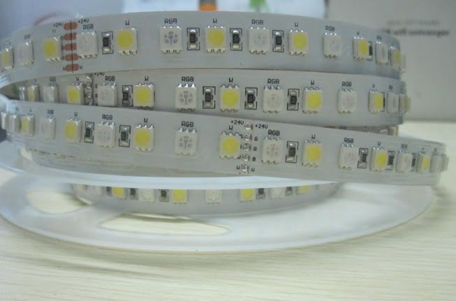 smd5050_rgbw_led_strip_96leds_dc24v_maxbluelighting